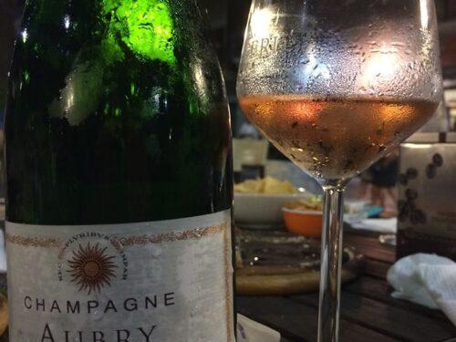 Fresco e Sapido compie un anno e noi festeggiamo con quattro Champagne e due cari amici.